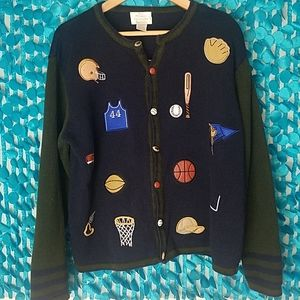 Wimsical Vintage sports sweater.⚽️⚾️🏀🏈